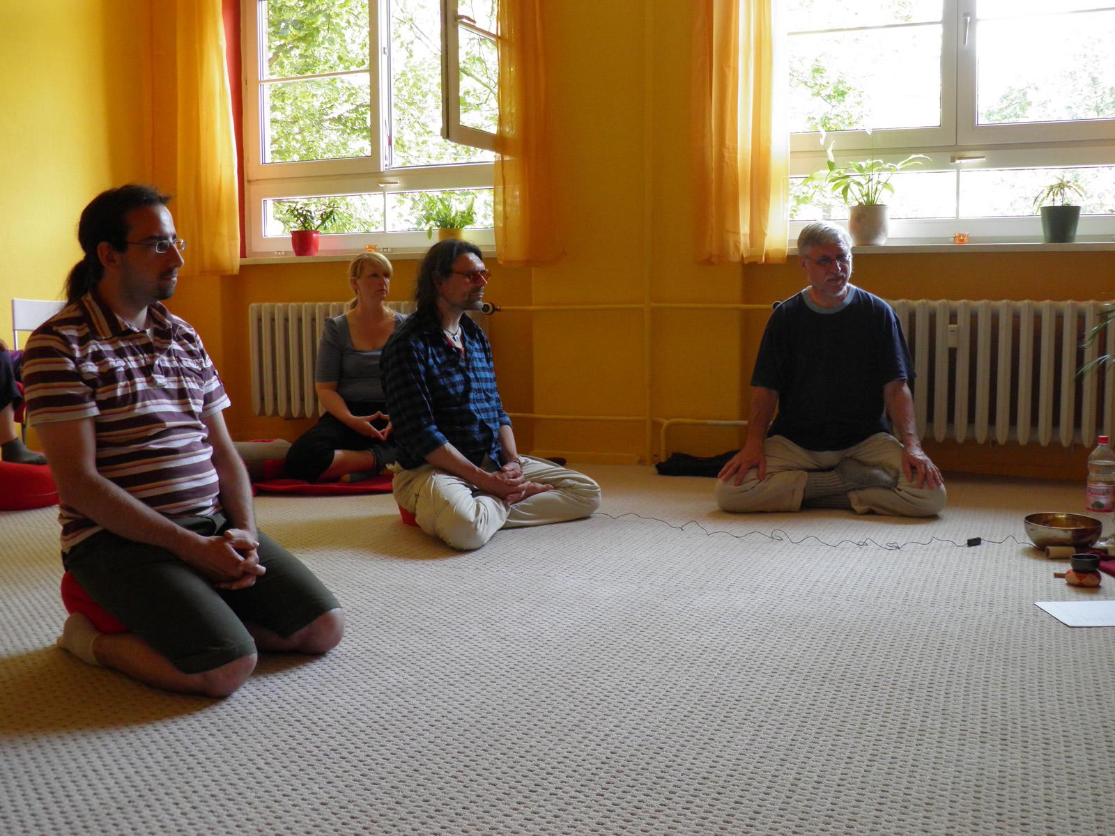 schweigen meditation berlin